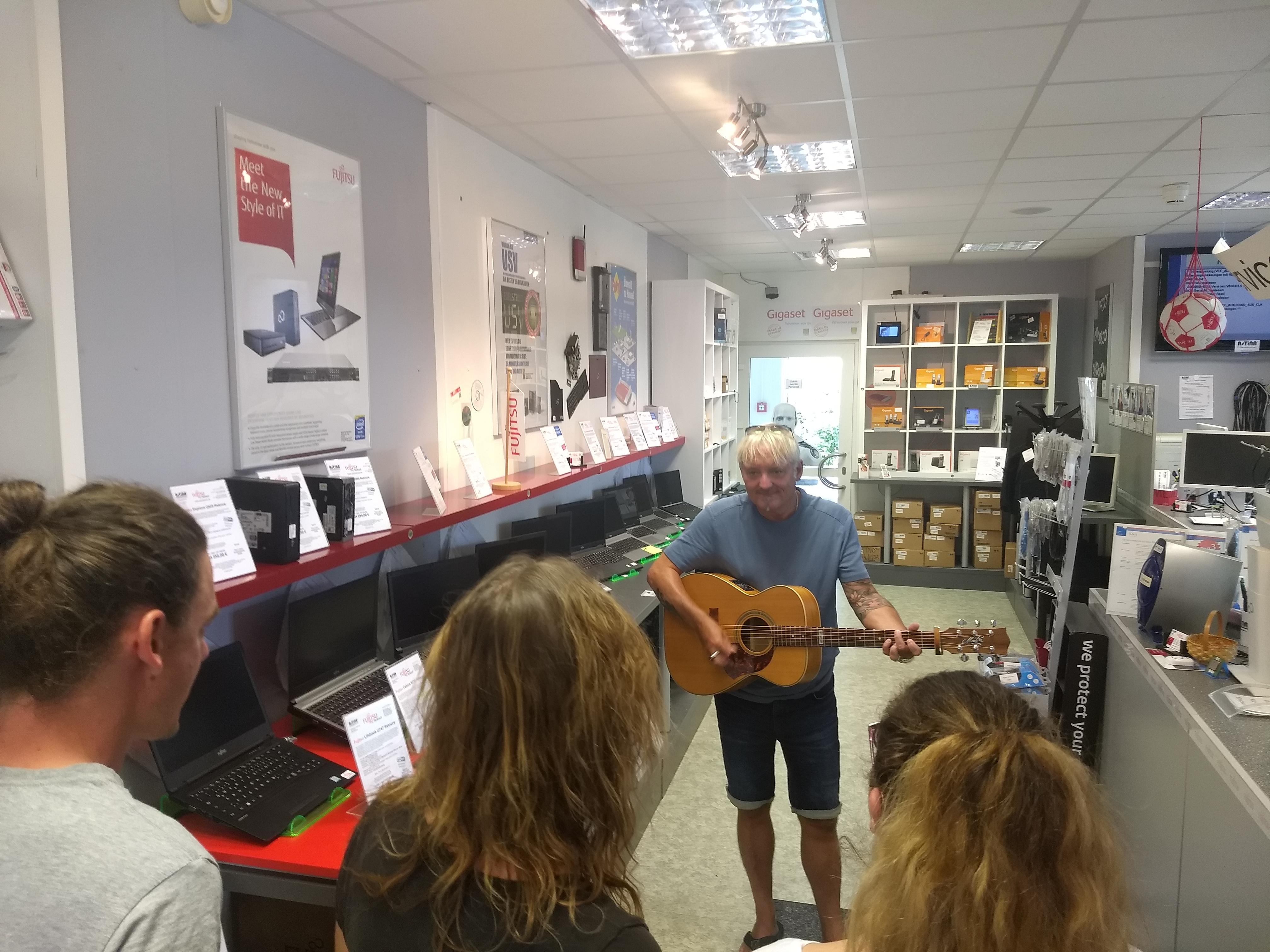 Acoustic Rock im PC Shop Augsburg